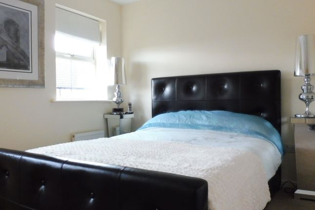 Master Bedroom of Dovecote, Wombwell S73
