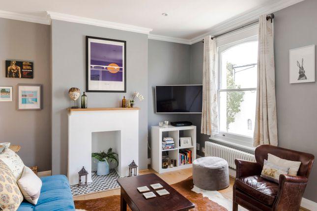 Thumbnail Duplex to rent in Graces Road, London