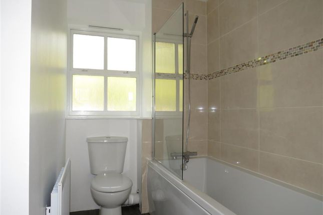 Bathroom of Hornbeam Drive, Coventry CV4