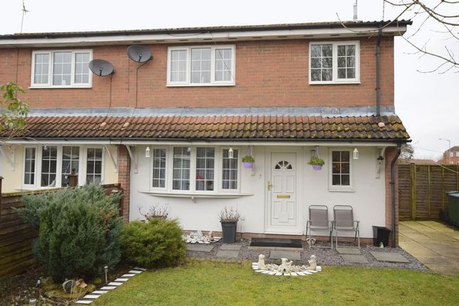 2 bed property for sale in Lupin Court, Aylesbury