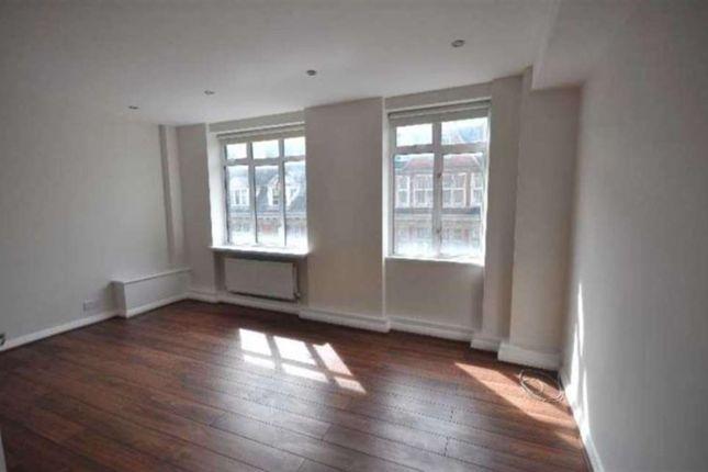 2 bed flat to rent in Warren Court, Euston Road, London