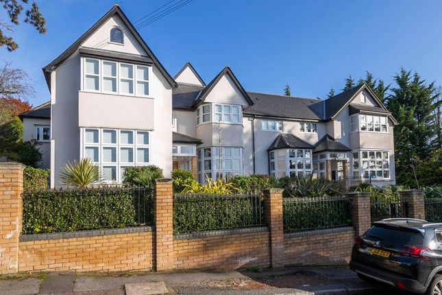 Flat for sale in Albion Hill, Loughton