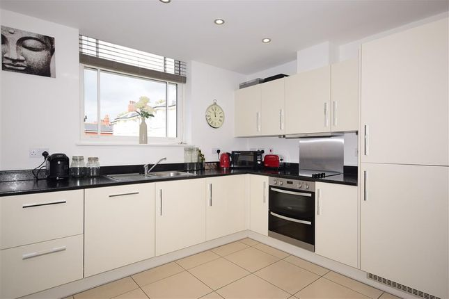 Flats for Sale in Viking Way, Pilgrims Hatch, Brentwood CM15