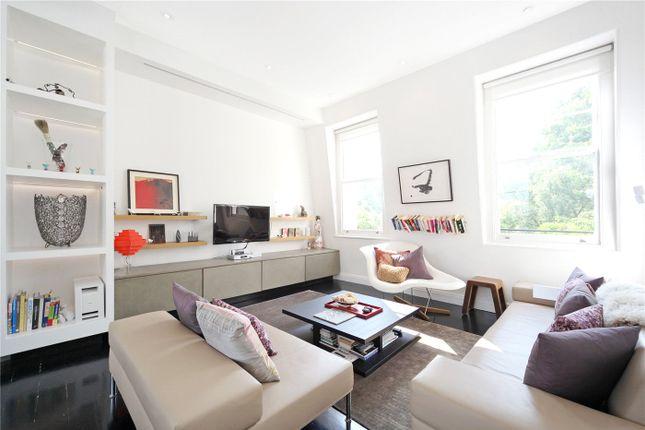 Maisonette to rent in Ladbroke Gardens, London