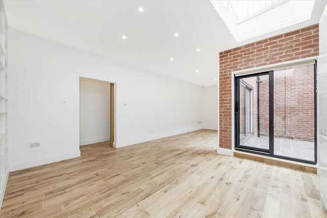 Thumbnail Detached house to rent in Cholmeley Close, Archway Road, London