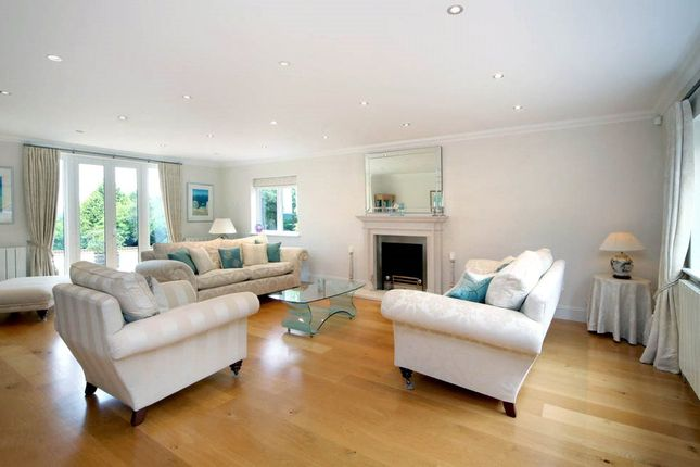 Living Room of Chapman Lane, Bourne End, Buckinghamshire SL8