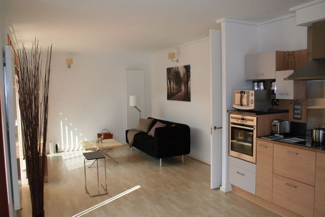 Thumbnail Flat to rent in Kilby Court, Greenwich, London