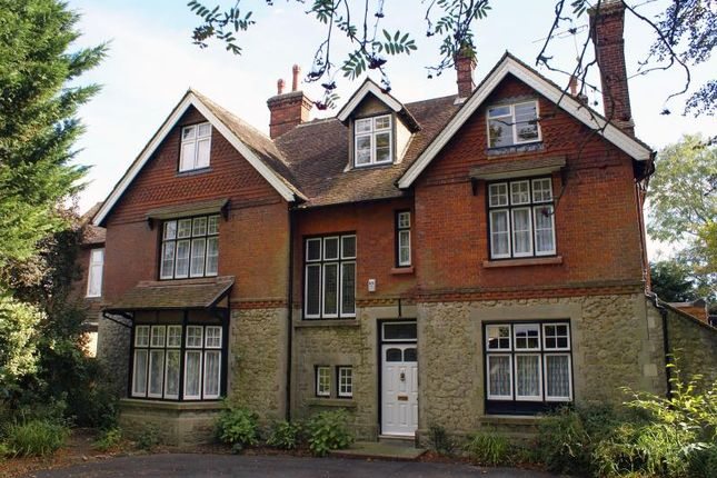 Thumbnail Semi-detached house to rent in Queens Avenue, Maidstone, Kent