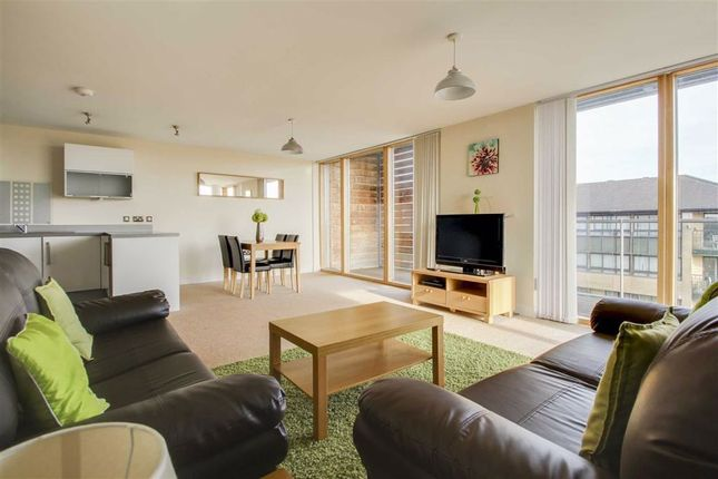 Thumbnail Flat to rent in Topaz House, Central Milton Keynes, Milton Keynes