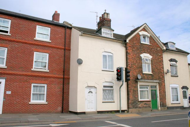 Thumbnail Terraced house to rent in Winsover Road, Spalding