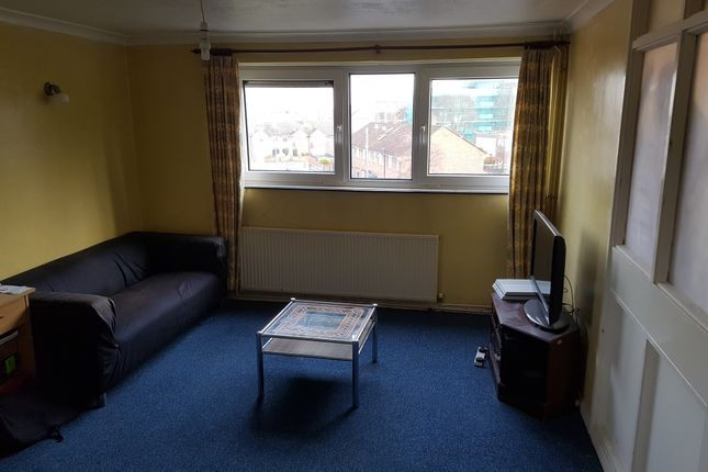 Thumbnail Flat to rent in St. James's Road, Southsea