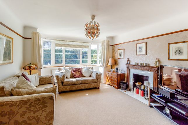 Living Room of Derwent Avenue, Kingston Vale, London SW15