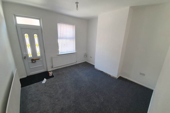 4 bed property to rent in Avondale Road, Rotherham S61