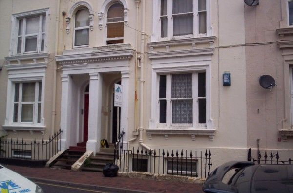 Thumbnail Flat to rent in 2, 28 Dudley Road, Tunbridge Wells