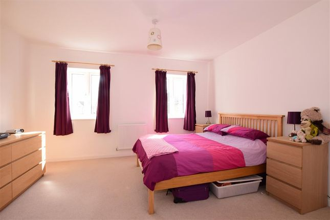 Thumbnail Flat for sale in Overton Road, Worthing, West Sussex