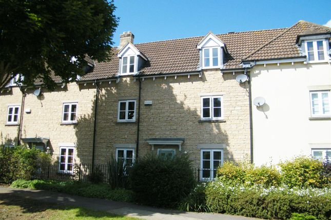 Thumbnail Town house for sale in School Road, Calne