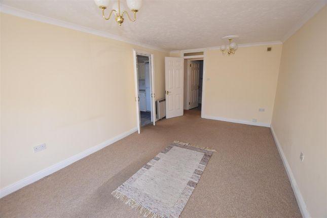 Living Room of Alexandra Court, The Esplanade, Penarth CF64