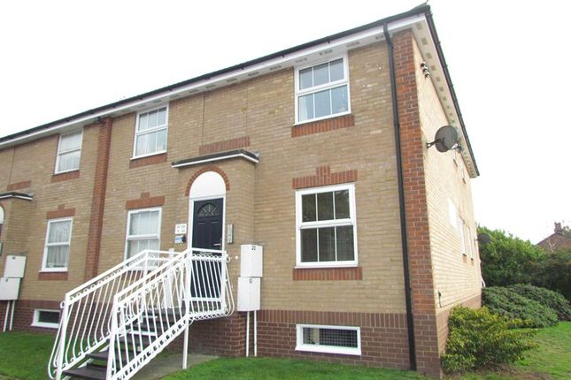Thumbnail Flat to rent in Stour Road, Harwich