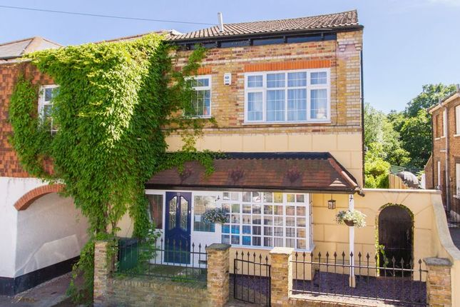 Thumbnail Detached house for sale in Princes Road, Buckhurst Hill
