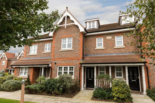 4 bed terraced house for sale in 12 Carlton Place, Marlow, Buckinghamshire
