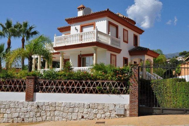Villa for sale in La Sierrazuela, Mijas, Malaga