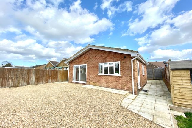 Thumbnail Bungalow to rent in Oxenden Road, Tongham, Farnham