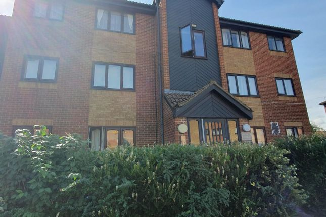 Thumbnail Flat to rent in Granary Close, London