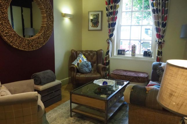 Thumbnail Hotel/guest house for sale in Hotels SY18, Wales