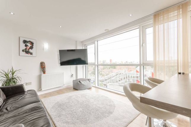 Thumbnail Flat to rent in Oceanis Apartments, Docklands