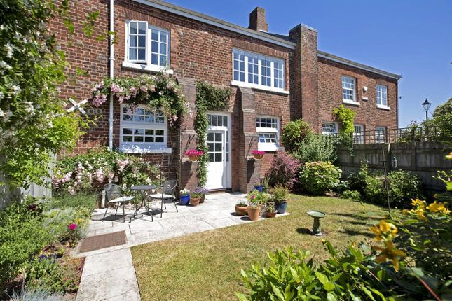 Thumbnail Terraced house for sale in Horseguards, Exeter, Devon