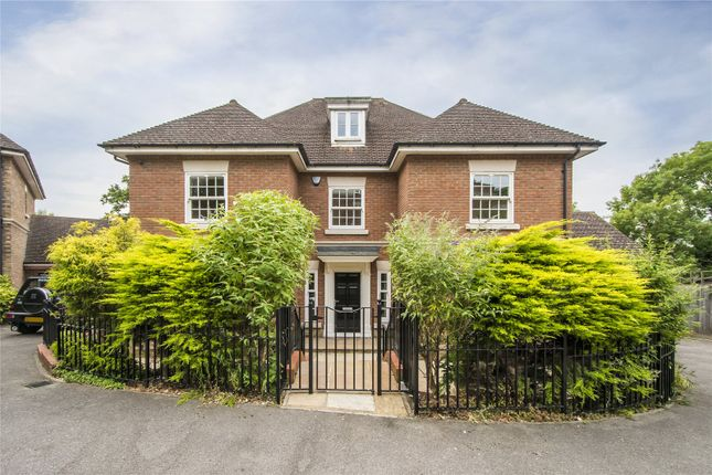 Thumbnail Detached house for sale in Dickenswood Close, London