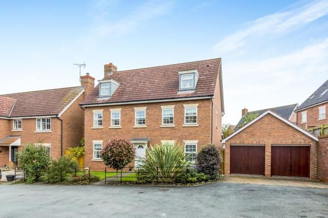 Thumbnail Maisonette for sale in Winchester Court, Weston, Crewe, Cheshire