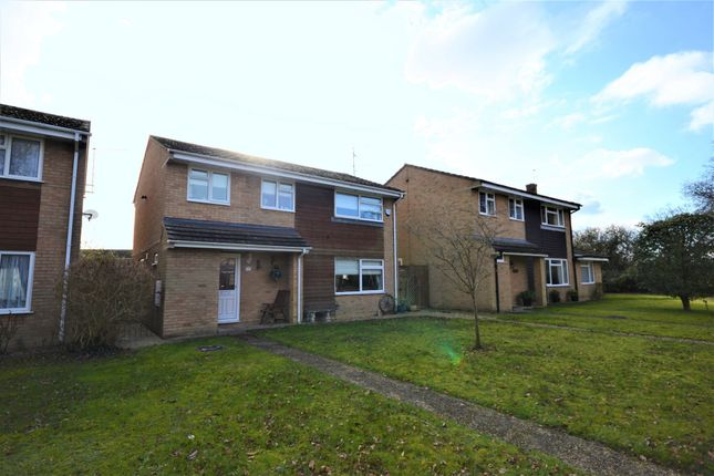 Detached house in  Cowslip Close  Tilehurst  Reading R Reading