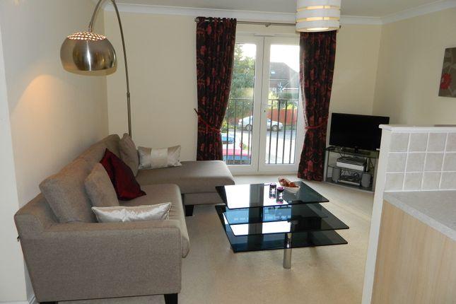 Thumbnail Flat to rent in Darlington Road, Basingstoke