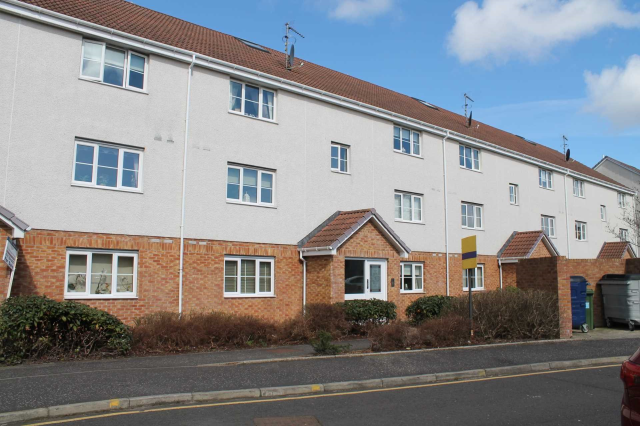 Thumbnail Flat to rent in Stirrat Crescent, Paisley, 1Rb