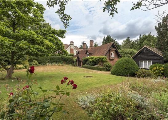 Thumbnail Detached house for sale in South Park Crescent, Gerrards Cross, Buckinghamshire