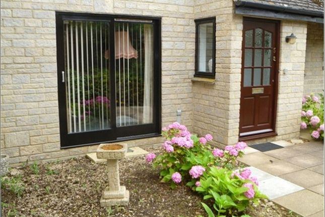 Thumbnail Flat to rent in Thames Street, Eynsham, Witney