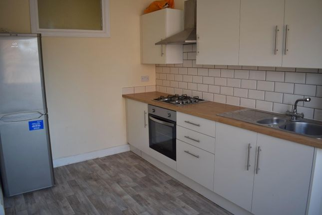 Thumbnail Flat to rent in Holmefield, Sale, Manchester