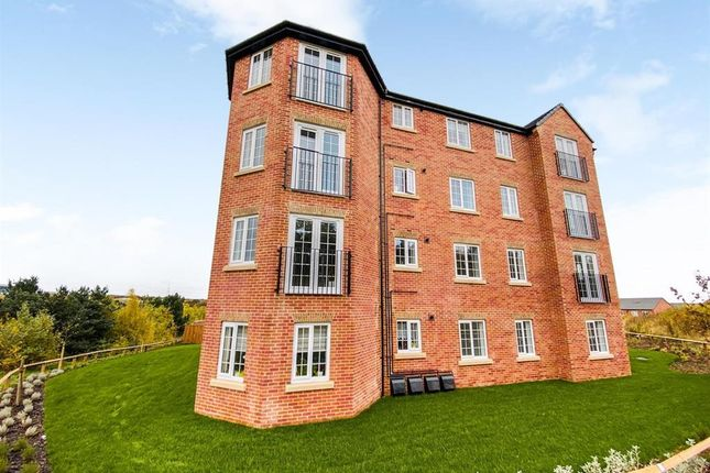 2 bed flat to rent in Leeming Place, Castleford WF10