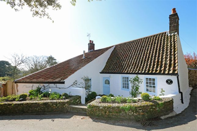 Thumbnail Cottage to rent in Icart Road, St. Martin, Guernsey