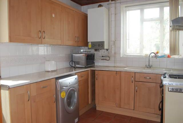 Thumbnail Property to rent in Restons Crescent, Eltham, London