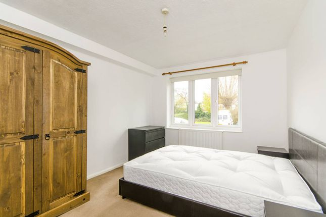 Thumbnail Flat to rent in Burnt Ash Hill, Lee