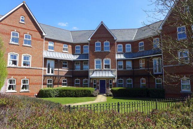 Thumbnail Flat to rent in Turners Avenue, Elvetham Heath, Fleet