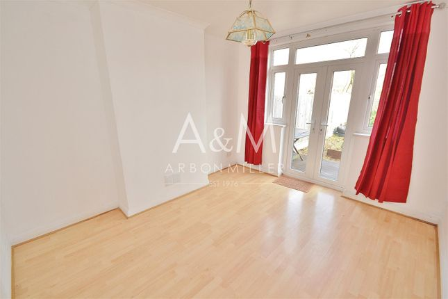 Thumbnail Maisonette to rent in Dryden Close, Ilford