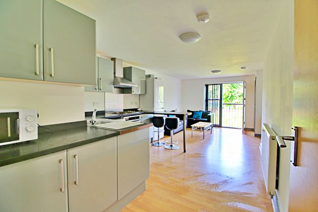 4 bed flat to rent in Broomhall Street, Sheffield S3