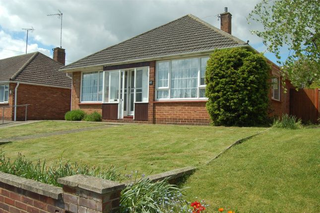 Thumbnail Detached bungalow to rent in Manor Crescent, Hitchin