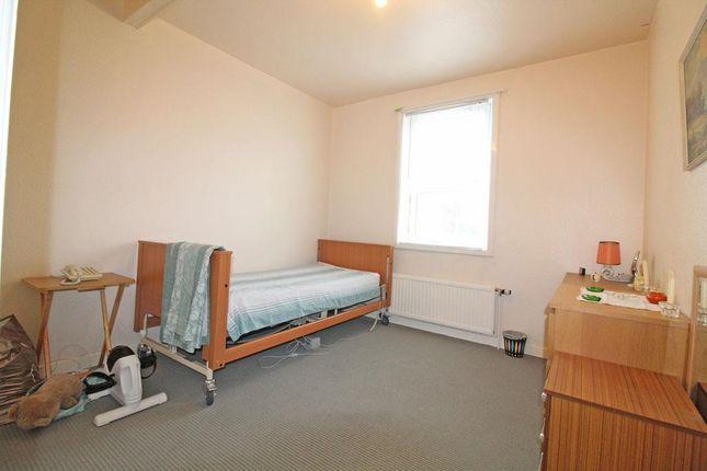 Cup0552Jmp Bedroom Front