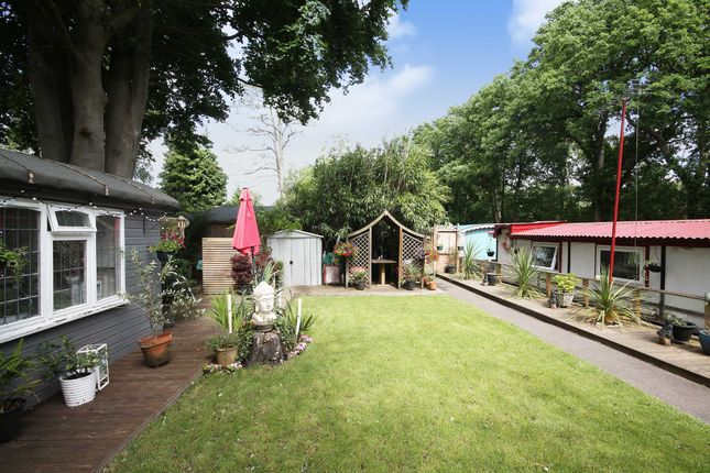 Thumbnail Property for sale in Scotland Bridge Lock, New Haw, Addlestone
