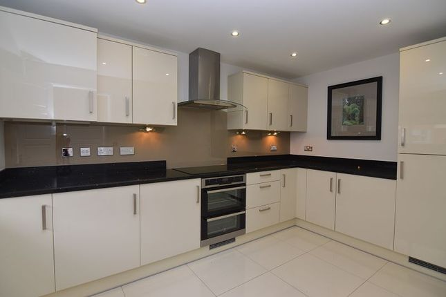 Thumbnail Property to rent in Whitlock Avenue, Wokingham, Berkshire