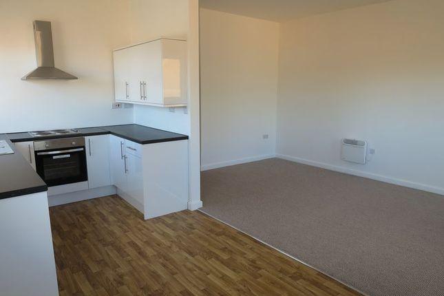 Thumbnail Flat to rent in Peel Street, Morley, Leeds